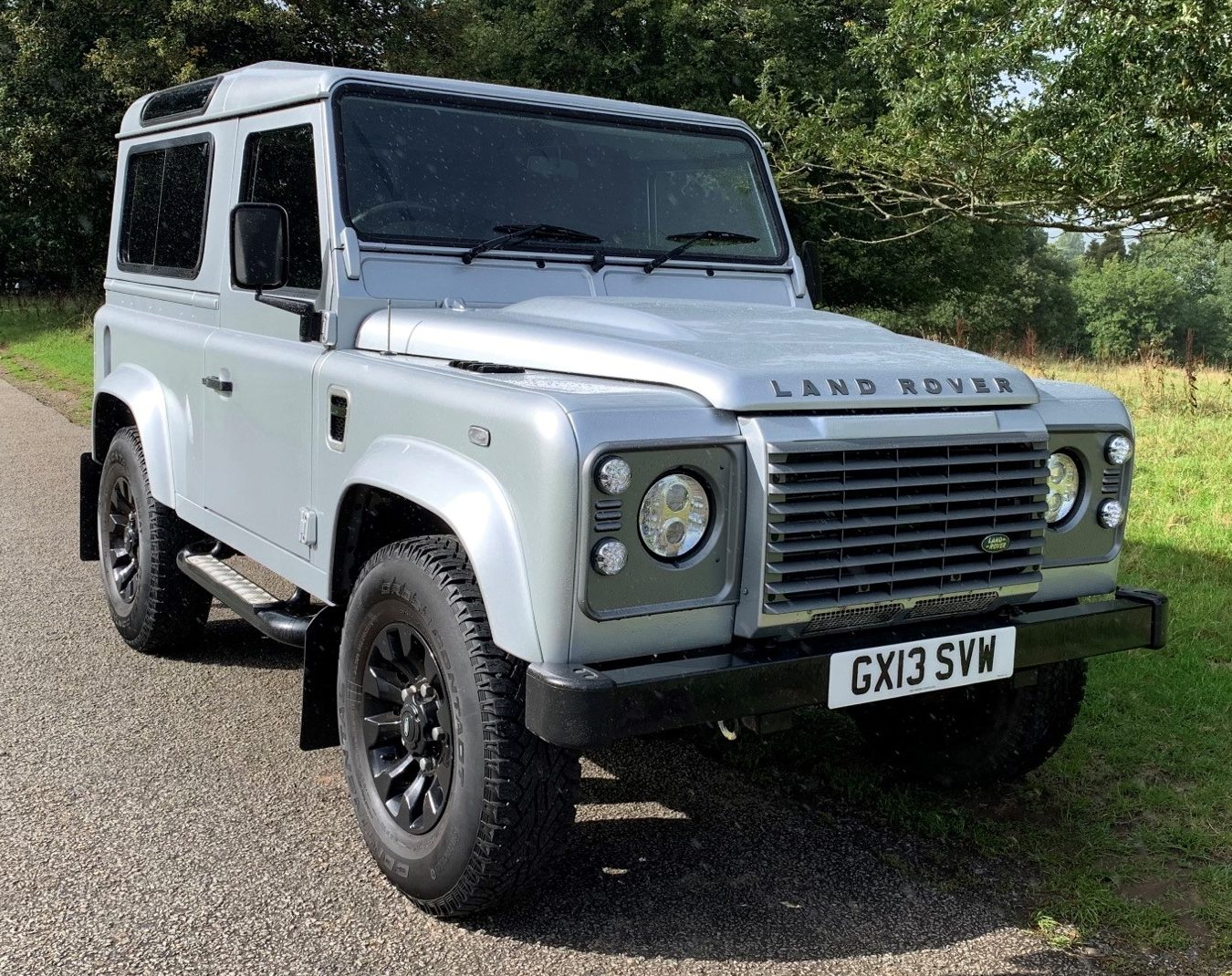 2013 Land Rover Defender 90 TD XS – 38,900 miles