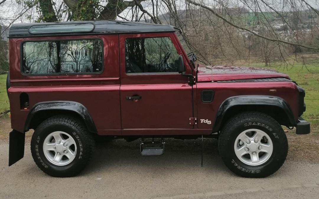 2000 Defender 90 TD5 County Station Wagon-6 Seater